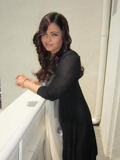 Aishwarya Rai Standing In Balcony 2