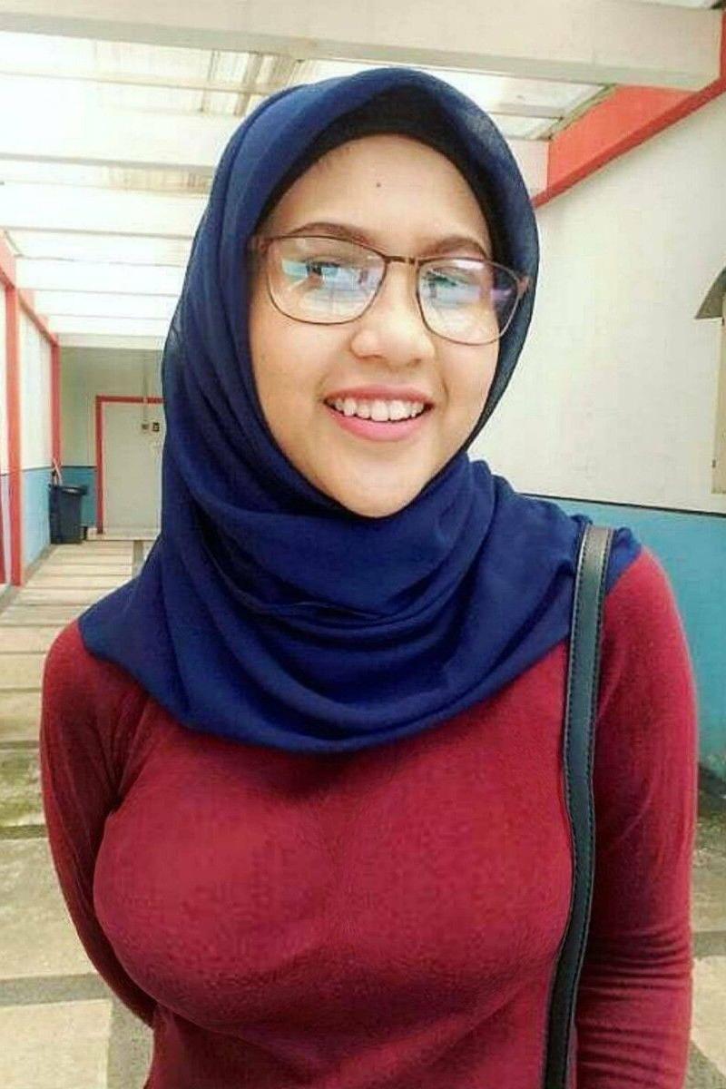 Cewek IGO jilbab Cantik coklat tua