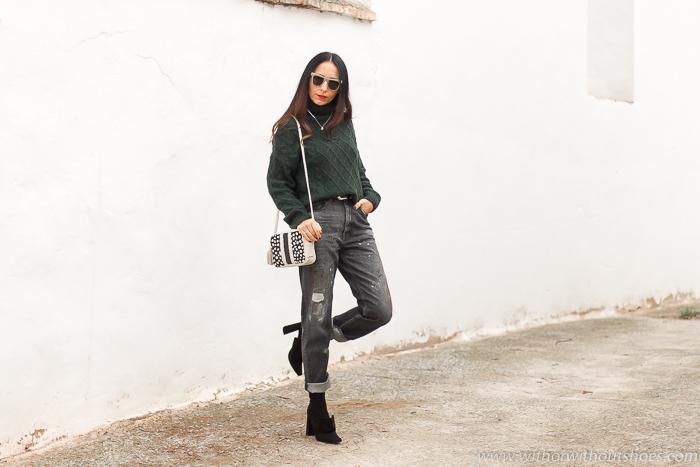 Influencer blogger valencia con look streetstyle estilo idea como combinar jeans vaqueros negros grises manchas pintura Meltin Pot