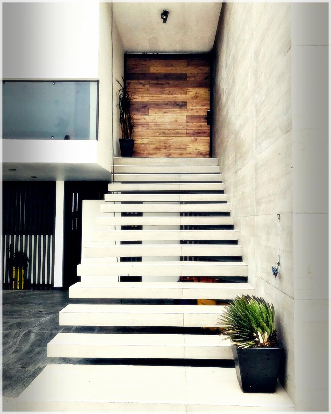 ModernHouse-14260661912