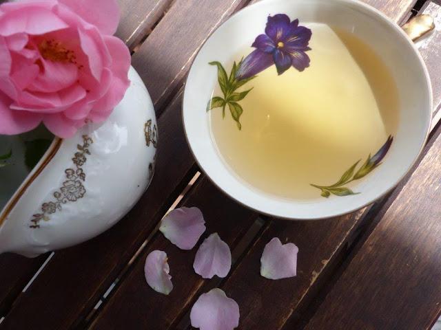 Sommer Getränk trinken Highlights selber machen Rezept lauwarmer Tee