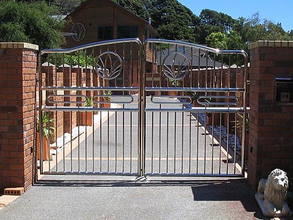 Mẫu cổng inox 2 cánh biệt thự