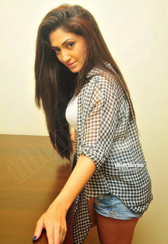 Hot Bollywood igralka Reyhna Malhotra Sexy Stegna Prikaži-7940