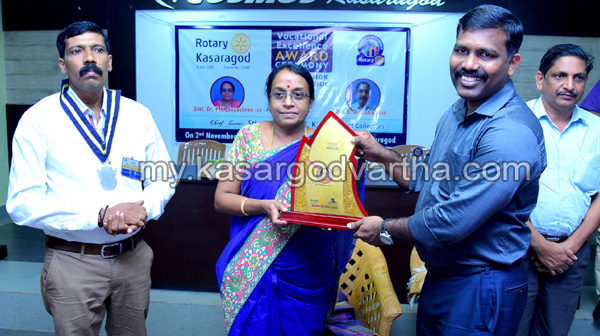 News, Kerala, Rotary club, Collector, IAS, Inauguration, Award, Vocational Excellence Award given to  Dr. PK Jayashree IAS and H. Dineshan  IAS