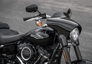 Harley-Davidson-Sport-Glide-2018-frontal