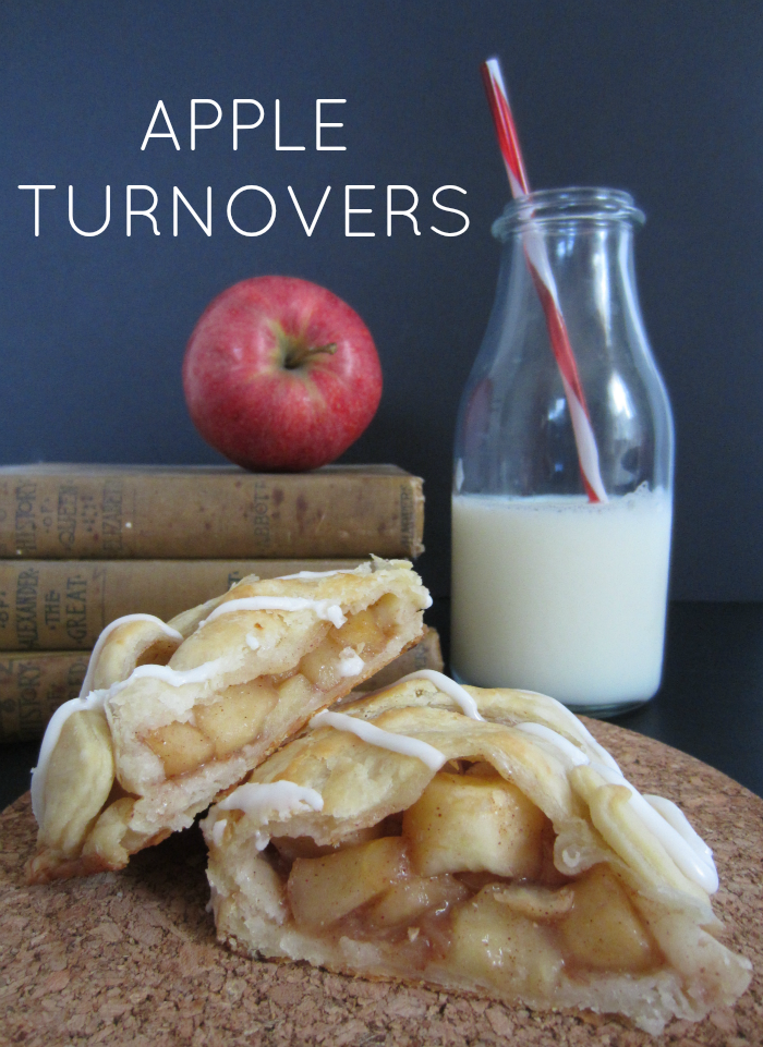 Apple Turnovers with Flaky Cream Cheese Crust | Club Narwhal