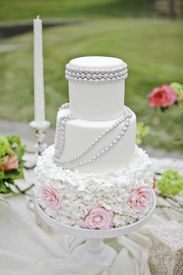 Wedding Cakes Pictures: Ruffles, Pearls and Roses