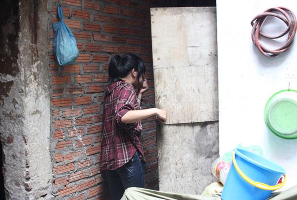 Sống khổ như phố cổ Hà Nội - Kỳ 2: 30 hộ dân dùng chung 2 nhà vệ sinh