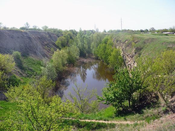 Алексеево-Дружковка. Карьерный пруд