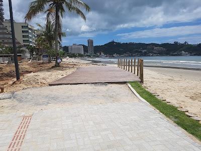 parque linear calçadão da orla do centro de itapema