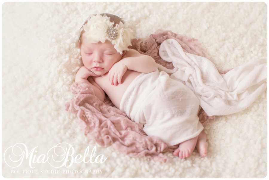 Mia bella photography is the premier fine art portrait boutique specializing in newborn family photography mia bella photography studio is located in