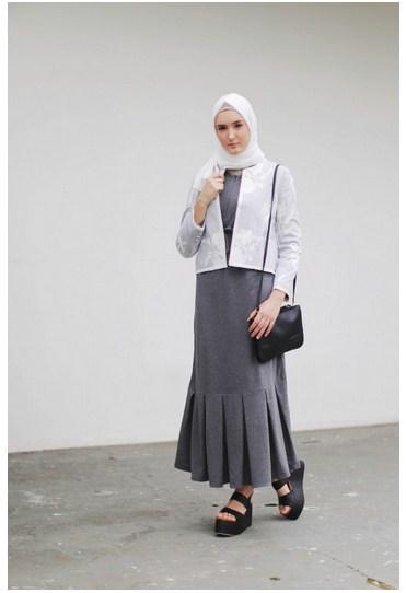 Padu Padan Baju Muslim Long Dress Modern Yang Bergaya Formal Untuk