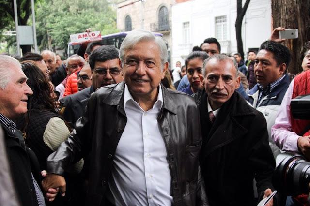 Slim, Azcárraga, Salinas, Aramburuzabala y Vázquez Raña, empresarios honestos, dice AMLO