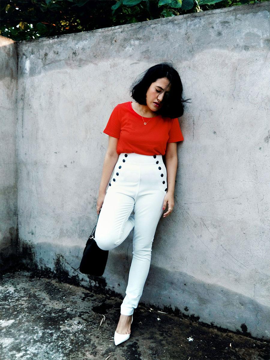 fashionblogger,springinmymind,redtop,women'swhitetrousers