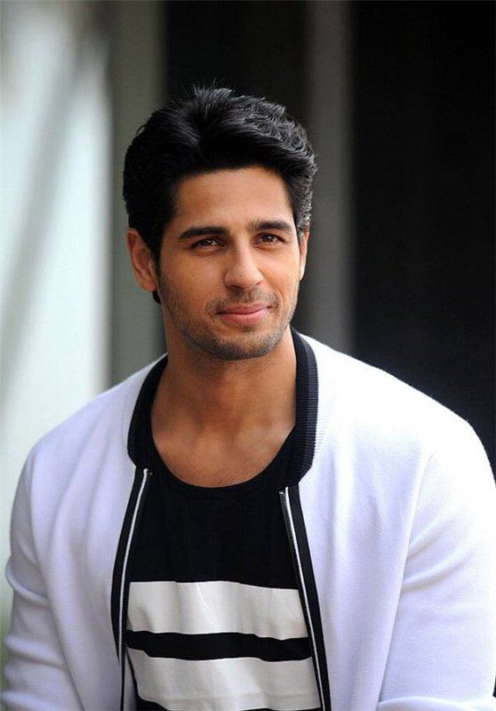 Siddharth Malhotra Body In Student Of The Year
