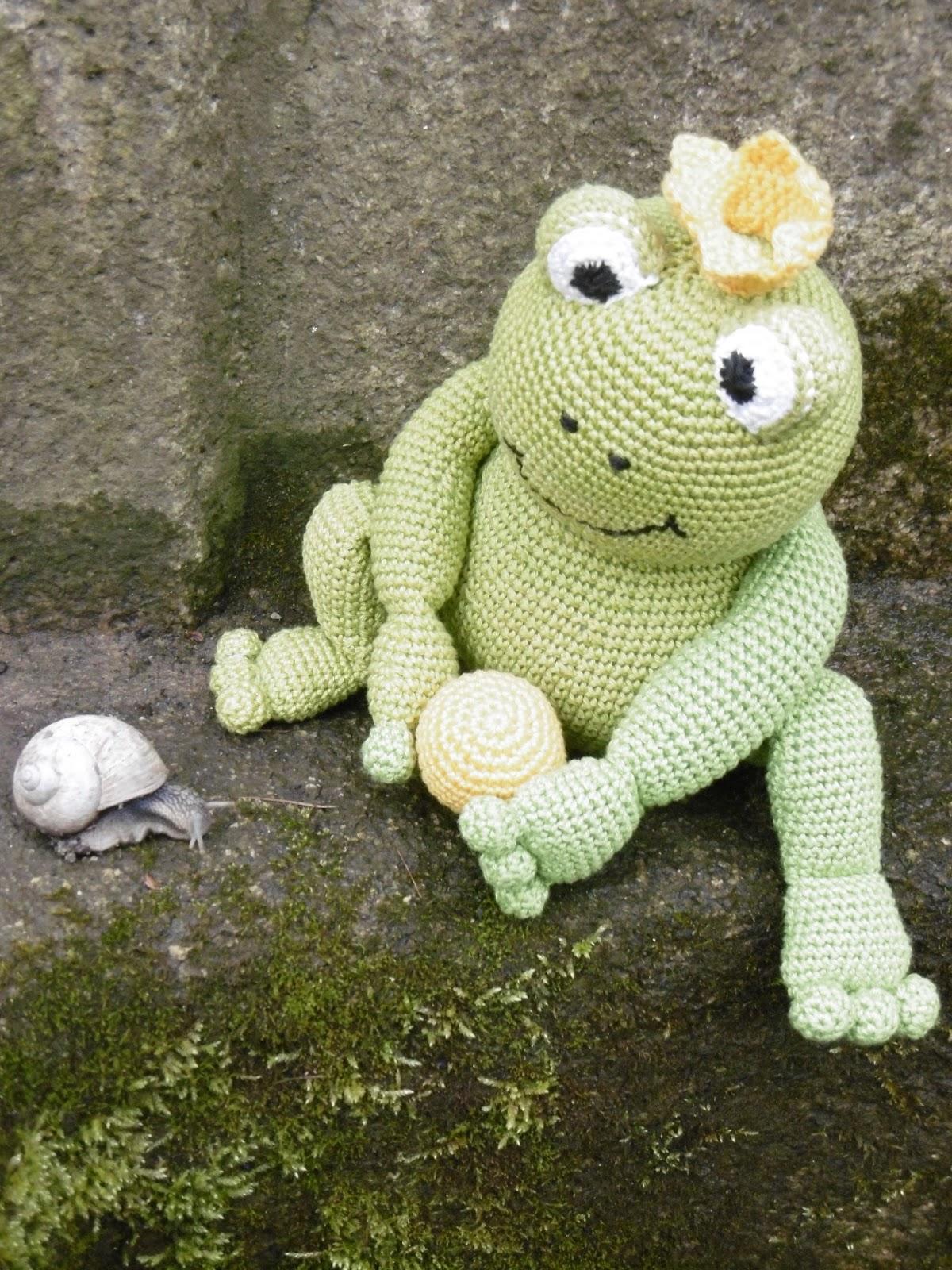 Fritz the Frog amigurumi pattern - Amigurumipatterns.net | 1600x1200
