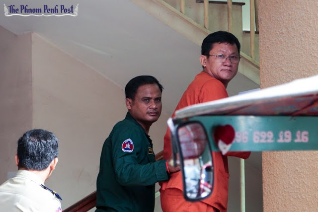 Ny Chakrya enters the Phnom Penh Municipal Court last week where he was convicted of defamation. Hong Menea