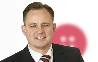 Alexander J. Neuzerling ist Verkaufsleiter beim DBL-Vertragswerk, der ITEX Gaebler-Industrie-Textilpflege GmbH & Co. KG in Montabaur