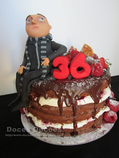 naked cake Despicable Me