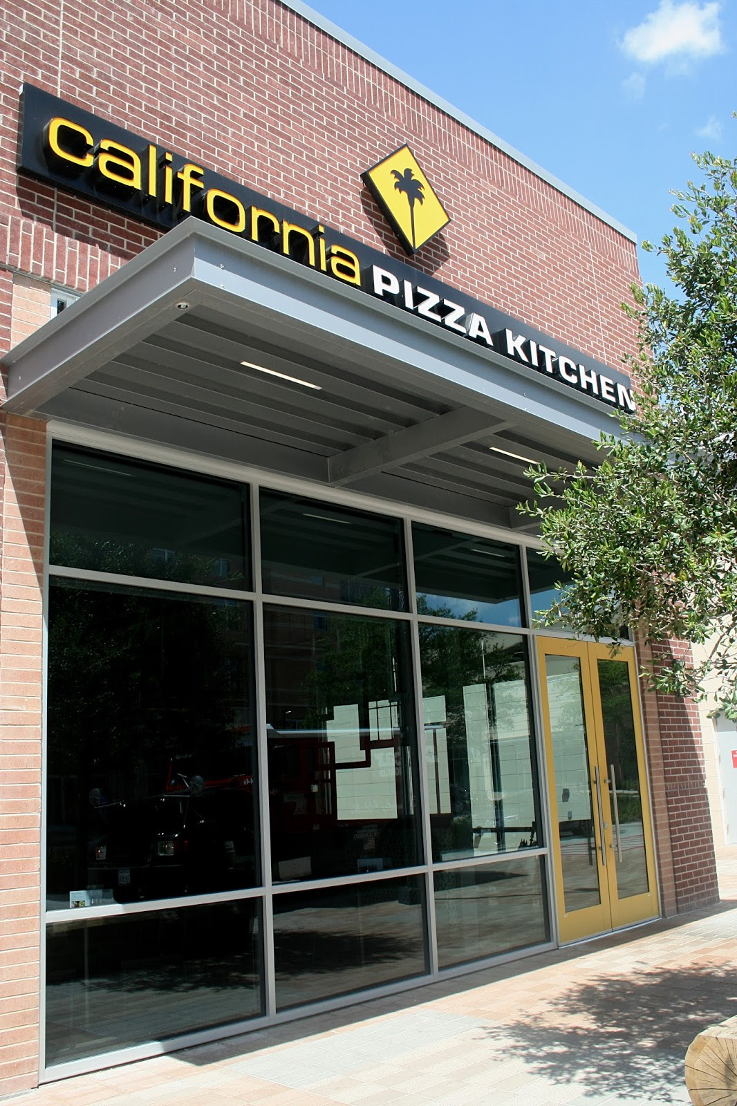 Astounding Annie A La Mode Lunch At California Pizza Kitchen New Home Interior And Landscaping Eliaenasavecom