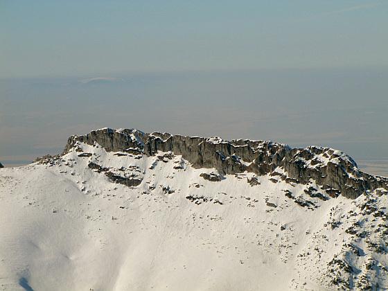 Długi Giewont - grań masywu Giewontu w Tatrach o długości 1,3 km osiągająca wysokość 1867 m n.p.m.