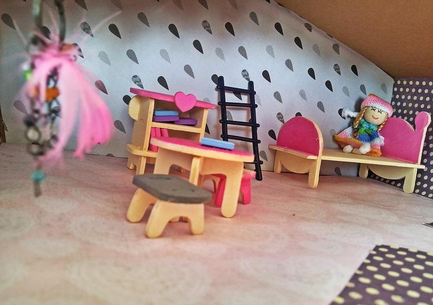 Z czego zrobić domek dla lalek?