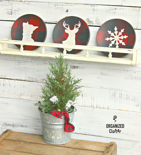 Thrift Shop Wooden Salad Plate Christmas Upcycle #oldsignstencils #stencils #buffalocheck #rusticChristmas