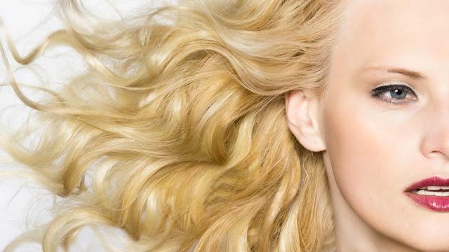 Tinta sobre Tinta no cabelo loiro