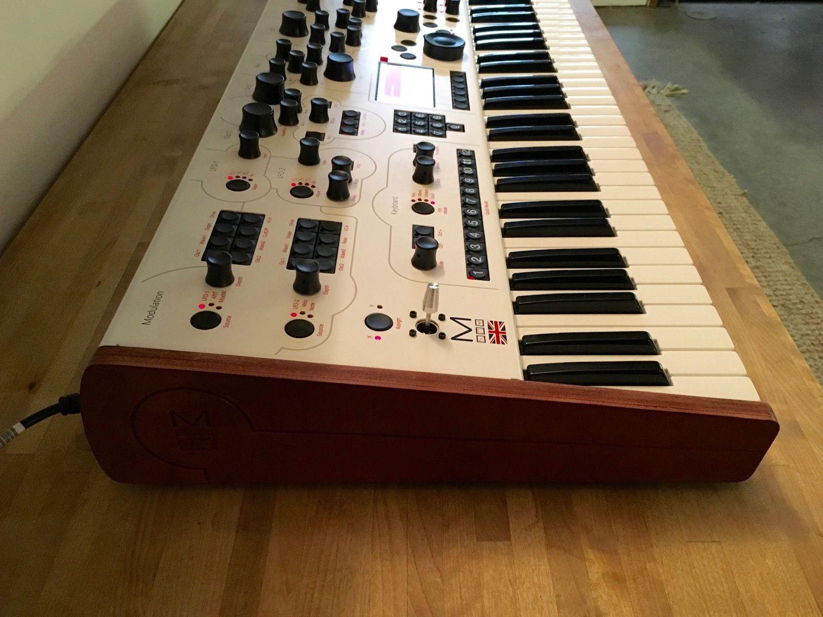 matrixsynth modal electronics 002 12 voice digital analogue hybrid synthesizer. Black Bedroom Furniture Sets. Home Design Ideas