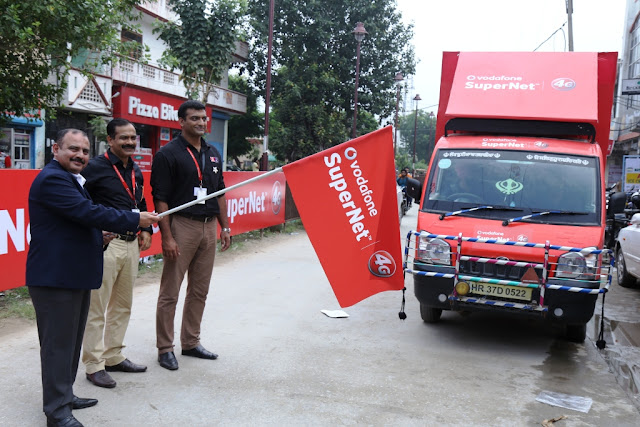 from left_Mr. Mohit Narru Business Head Vodafone Haryana_Launching_4G services in Sonepat