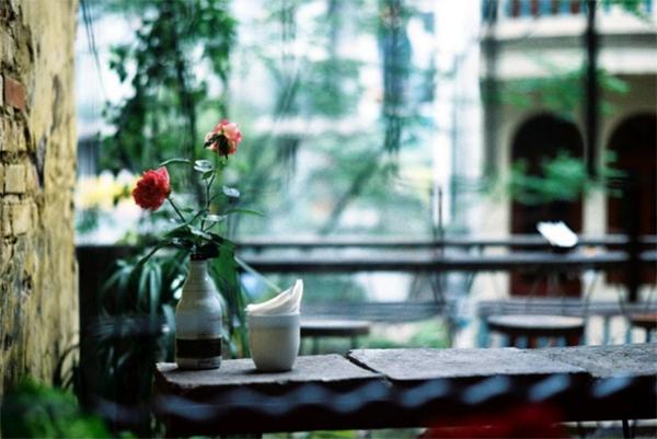 xoan-cafe-hanoi-vietnam-2