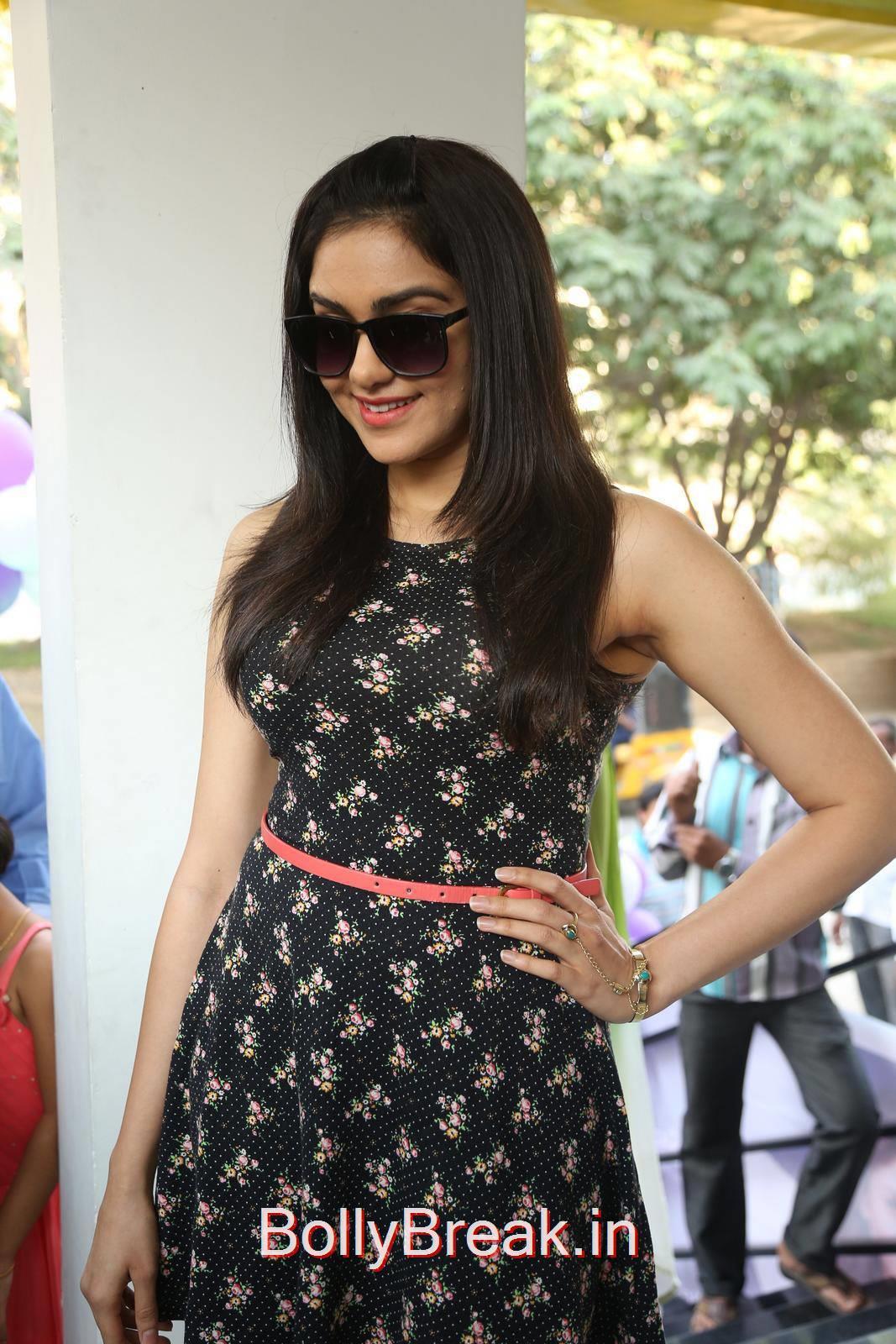 Adah Sharma Photo Gallery, Adah Sharma Hot Pics in Black Skirt Dress