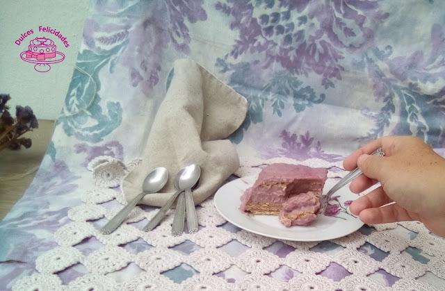 Tarta de galletas con crema pastelera de frutos rojos