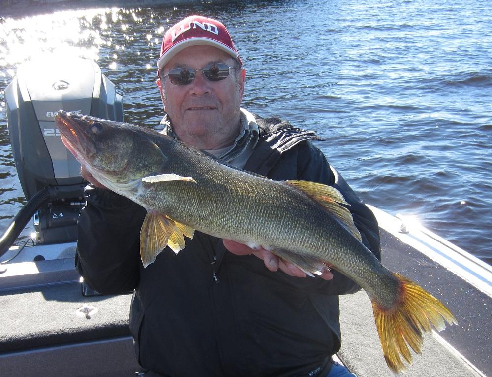 Fishin 39 with dave big fish on lac seul for Lac seul fishing