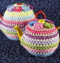 http://www.ravelry.com/patterns/library/pretty-tea-cosy