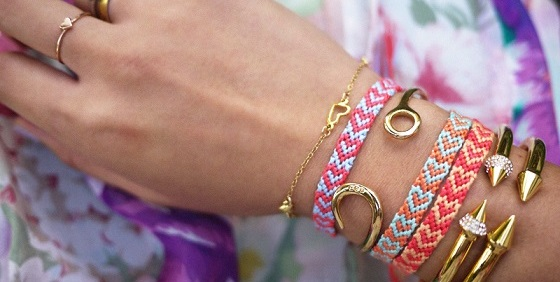 DIY friendhip bracelet at home