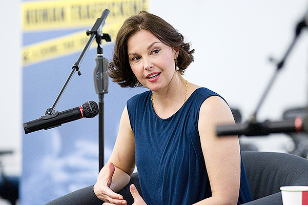 Ashley Judd sexually harassed her on a film set