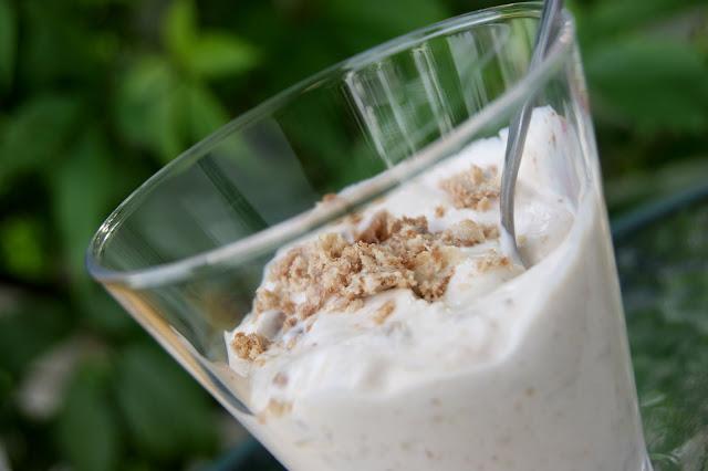 jogurt z chałwa