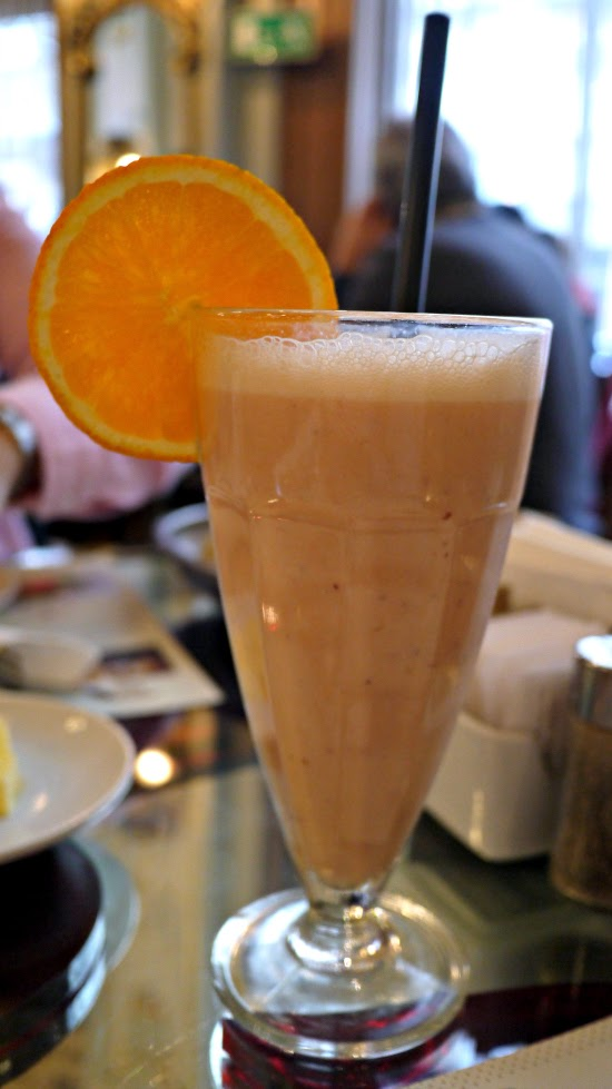 New York Cafe Budapest fruit smoothie