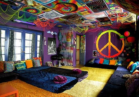 decor 70s theme bedroom decorating psychedelic tie dye hippie