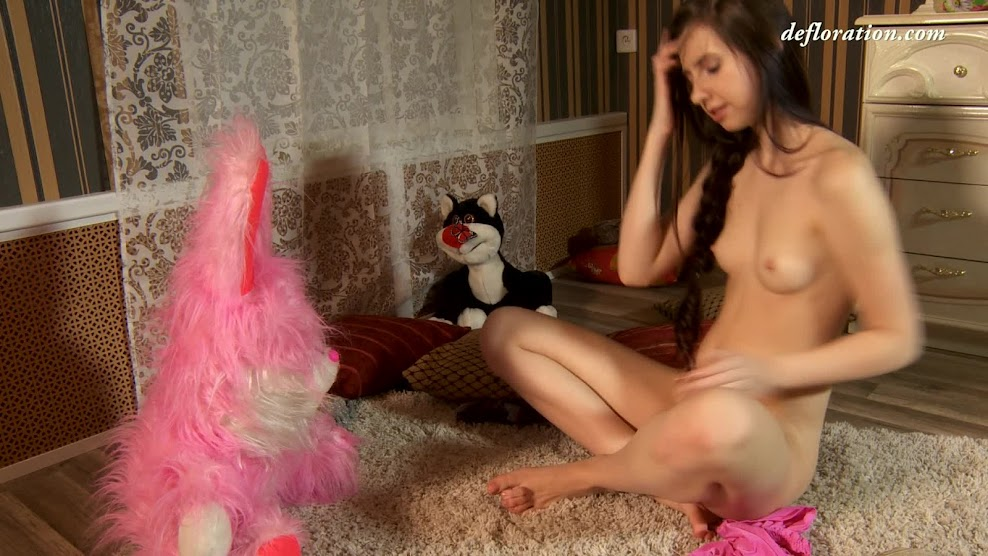 Defloration virgin Fuck first time-def.16.10.20.alina.redofed.solo.4.mp4Real Street Angels