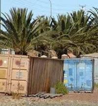 """Voici les """"prisons"""" où sont détenus les chrétiens : des conteneurs en plein désert et sous le soleil"""