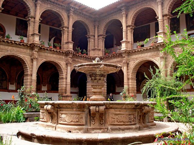 Fonte no claustro do Convento de La Merced, Cusco