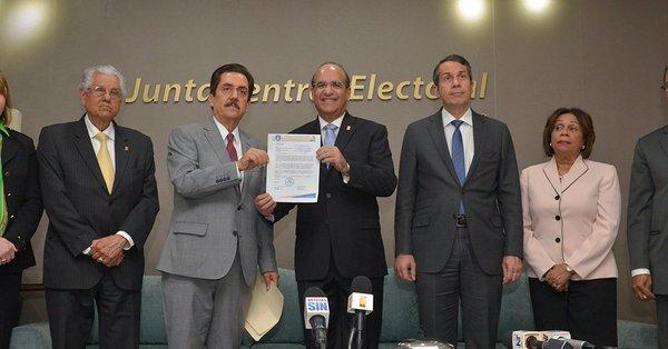 Abinader gana en el PRM 18 de 22 vicepresidencias