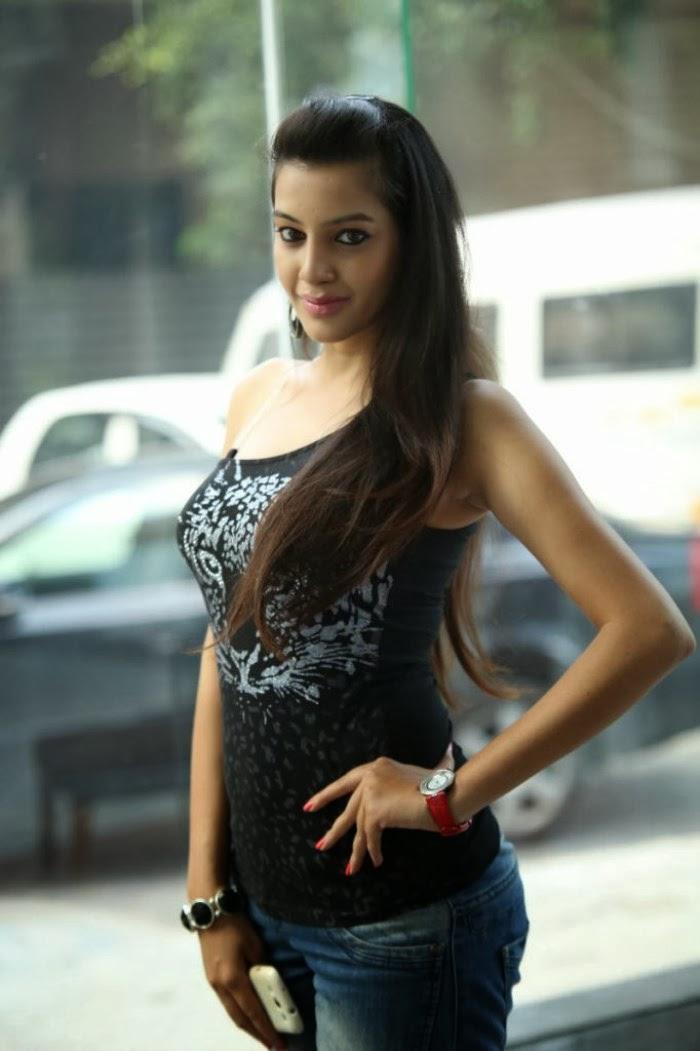 Gorgeous Deeksha panth hot stills in jeans at black is black event