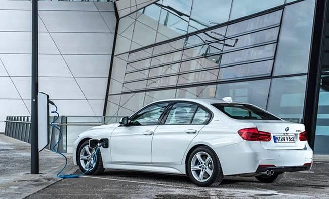 2017 BMW 330e iPerformance U.S Specs