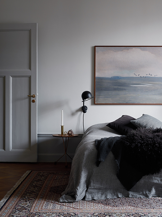 High-impact things to hang over your headboard | Oversized art. Kristofer Johnsson for Kinfolk Home