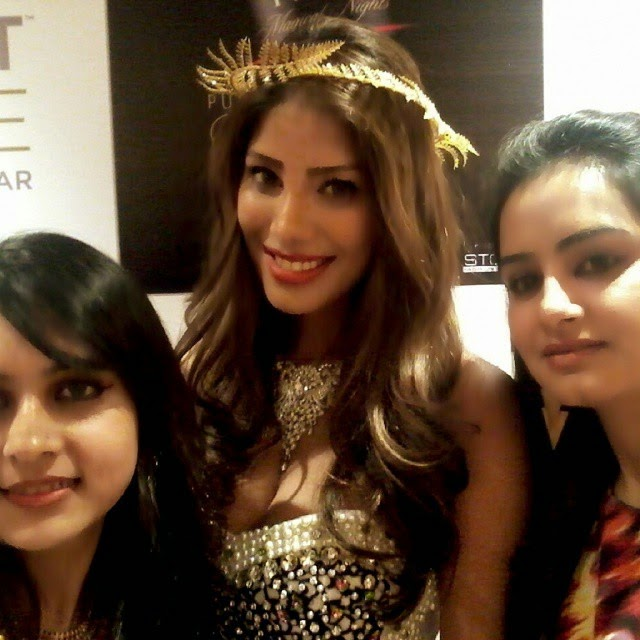 selfie with nicole faria, Pune Style Fashion Week Pics 2014