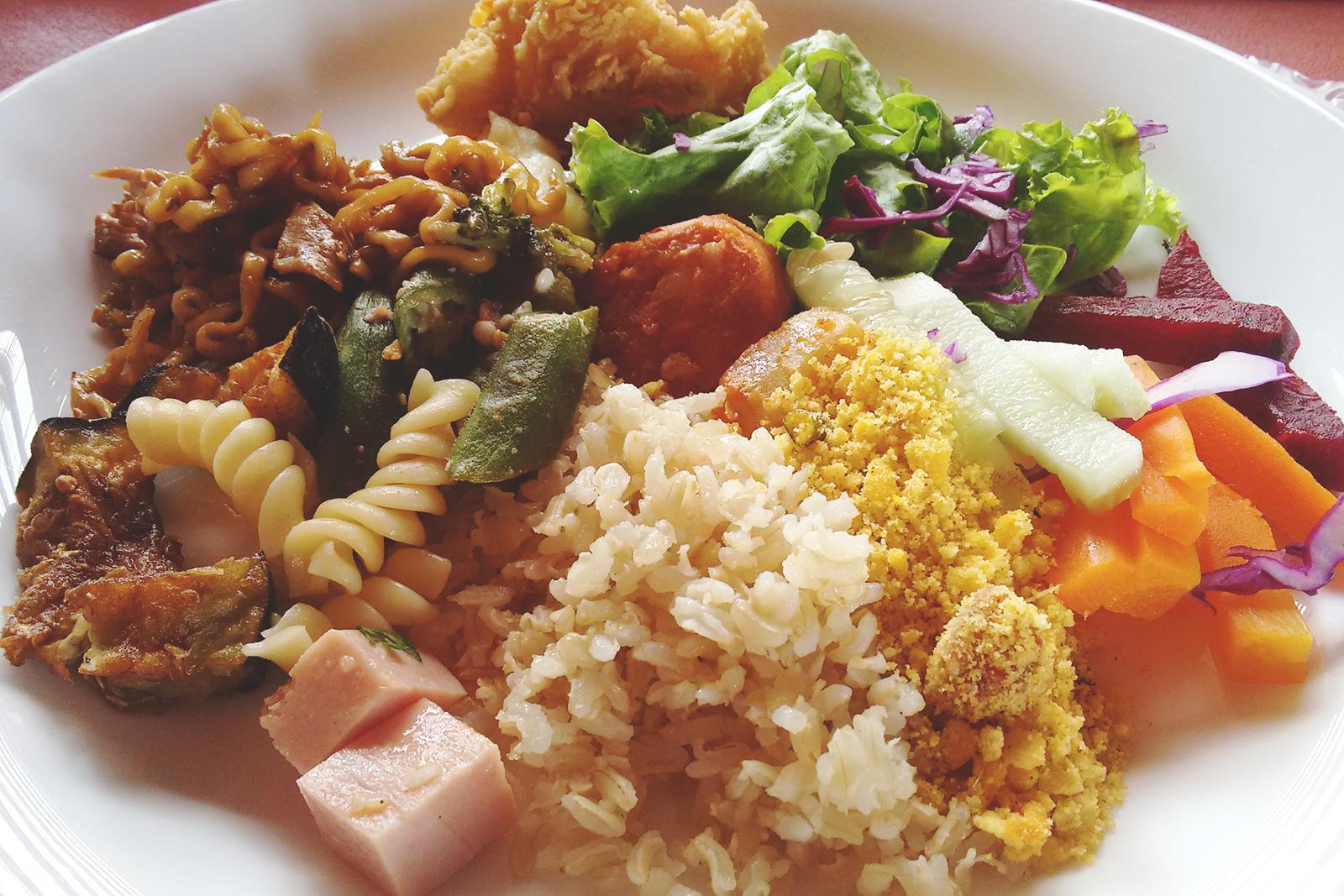 prato colorido saladas