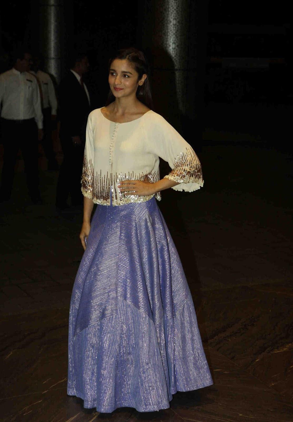 Alia Bhatt Looks Super Sexy Shahid Kapoor And Mira Rajput -9547